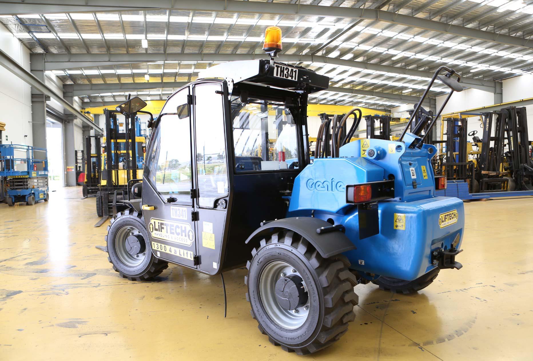 Hire 2.5 Tonne Telehandler Forklift Liftech