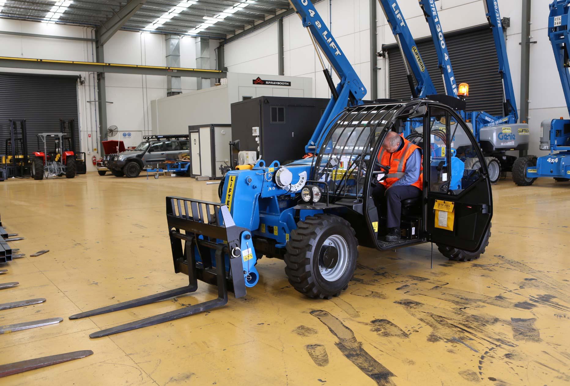 2.5 Tonne Telehandler Forklift Rental