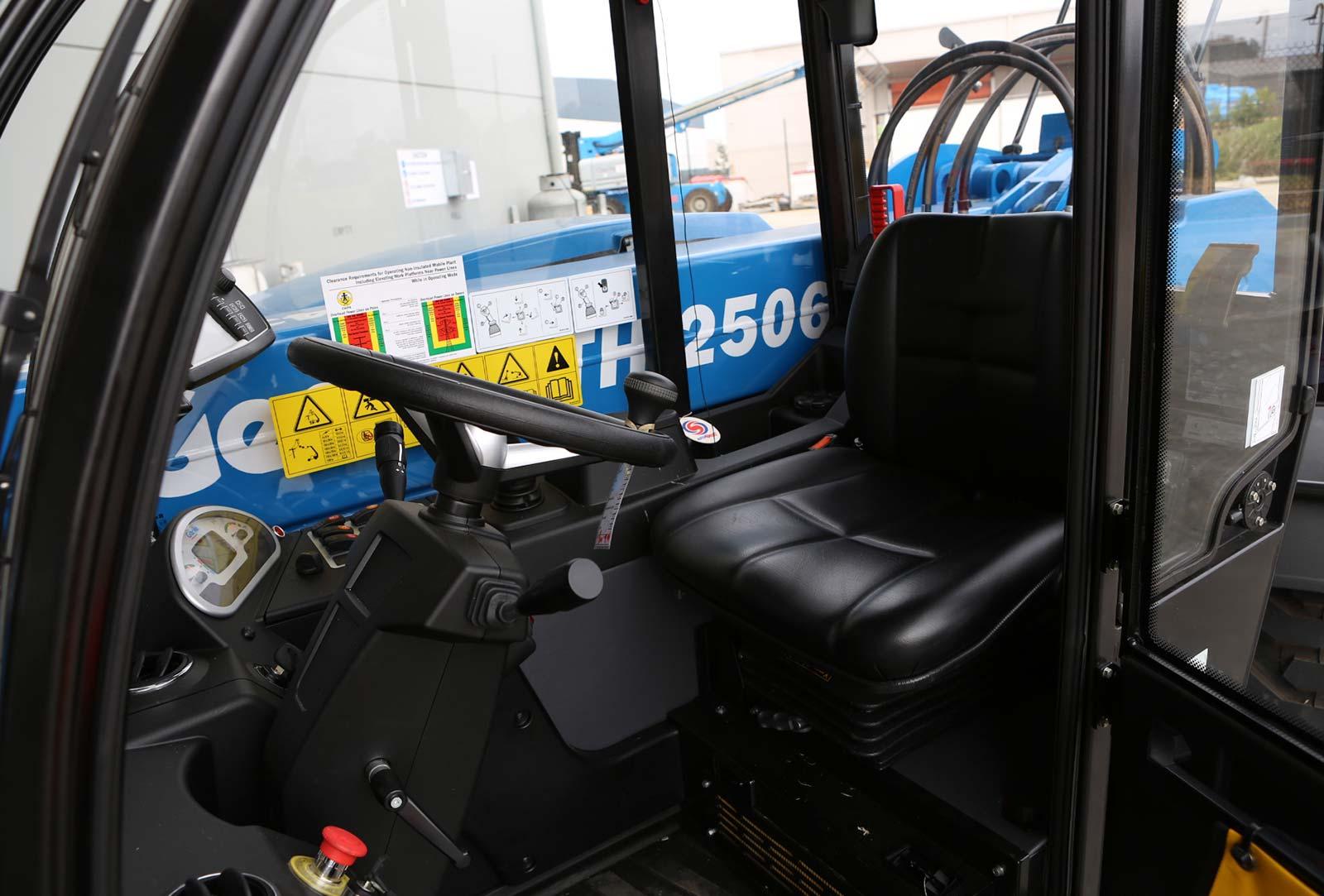 Hire 2.5 Tonne Telehandler Forklift