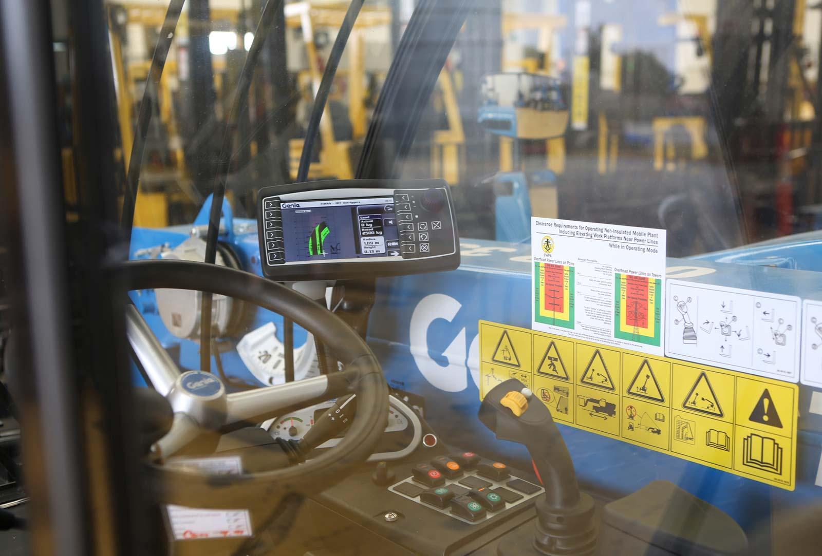 Hire 2.5 Tonne Telehandler Forklift Melbourne