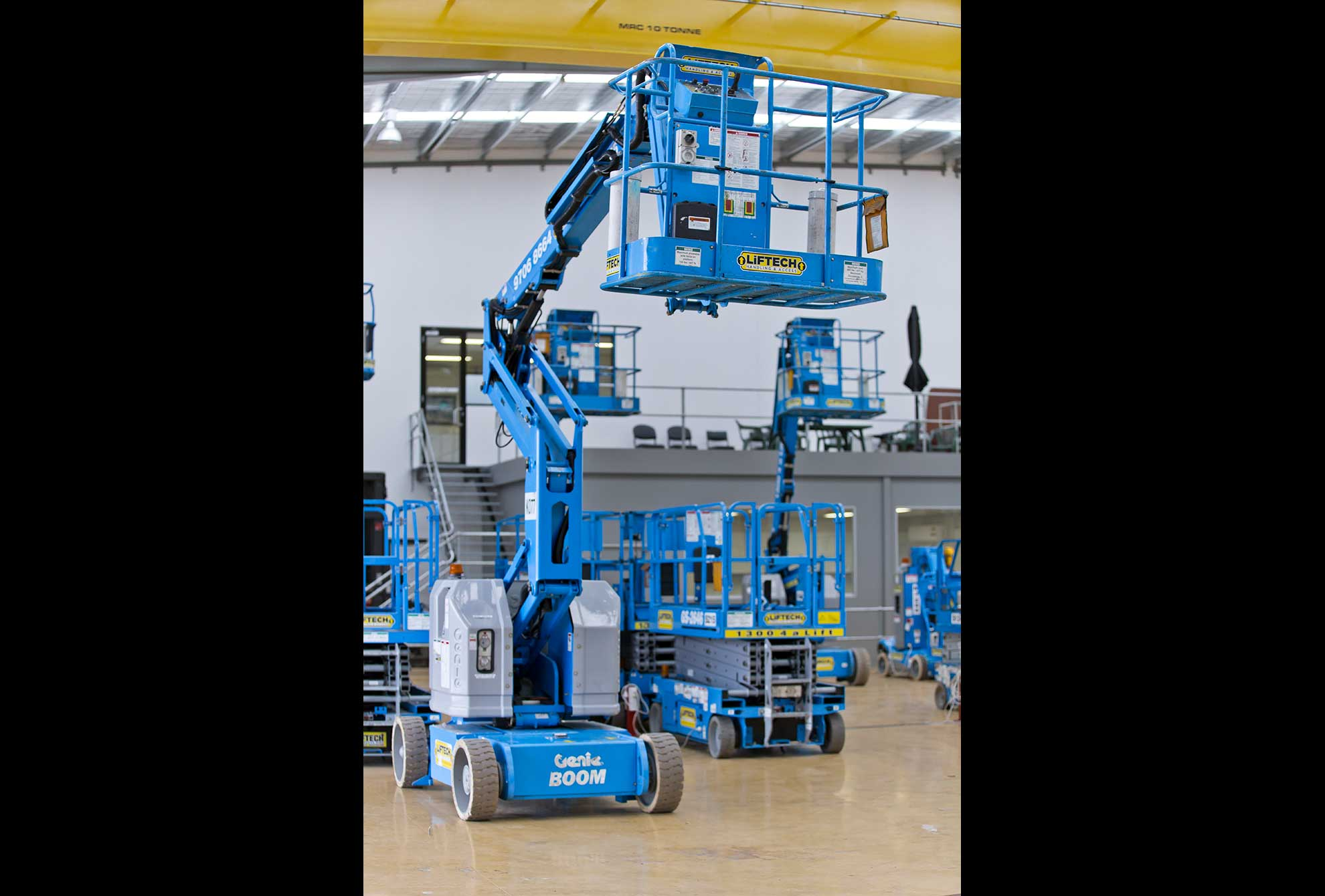 12 metre Knuckle Boom Lift Hire