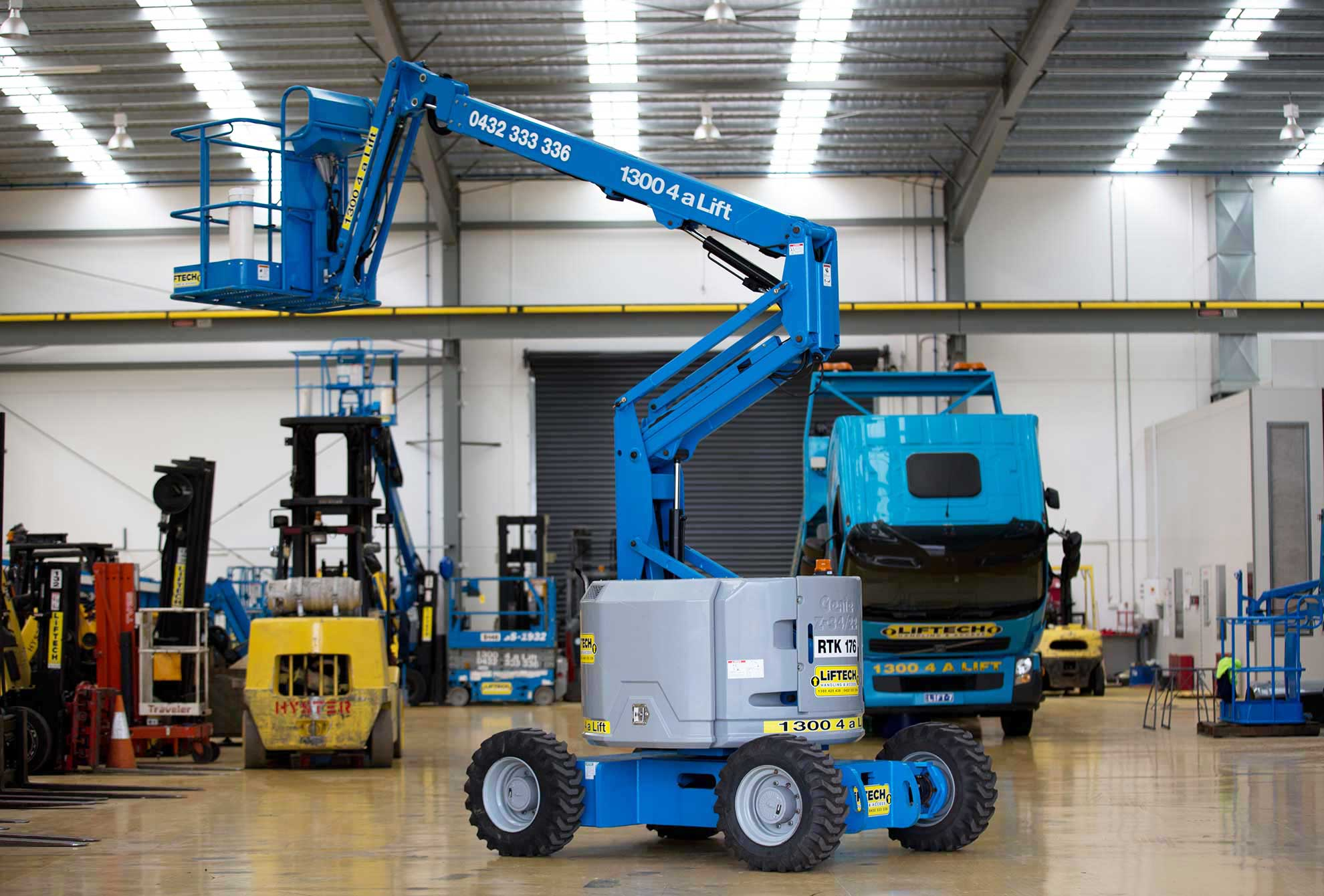 Compact RT Knuckle Boom Lift hire