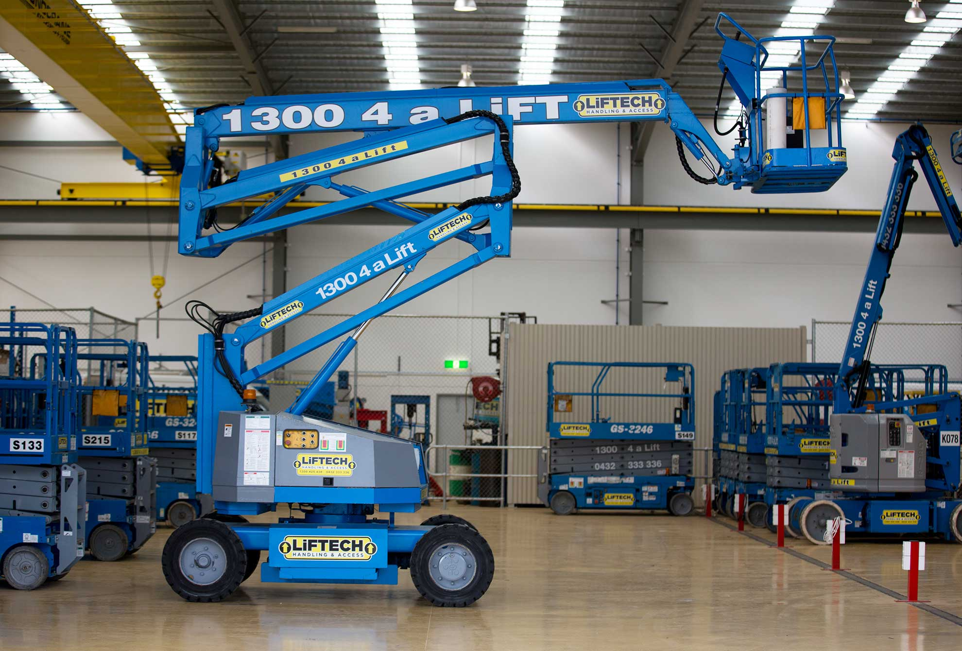 14 metre electric knuckle boom melbourne