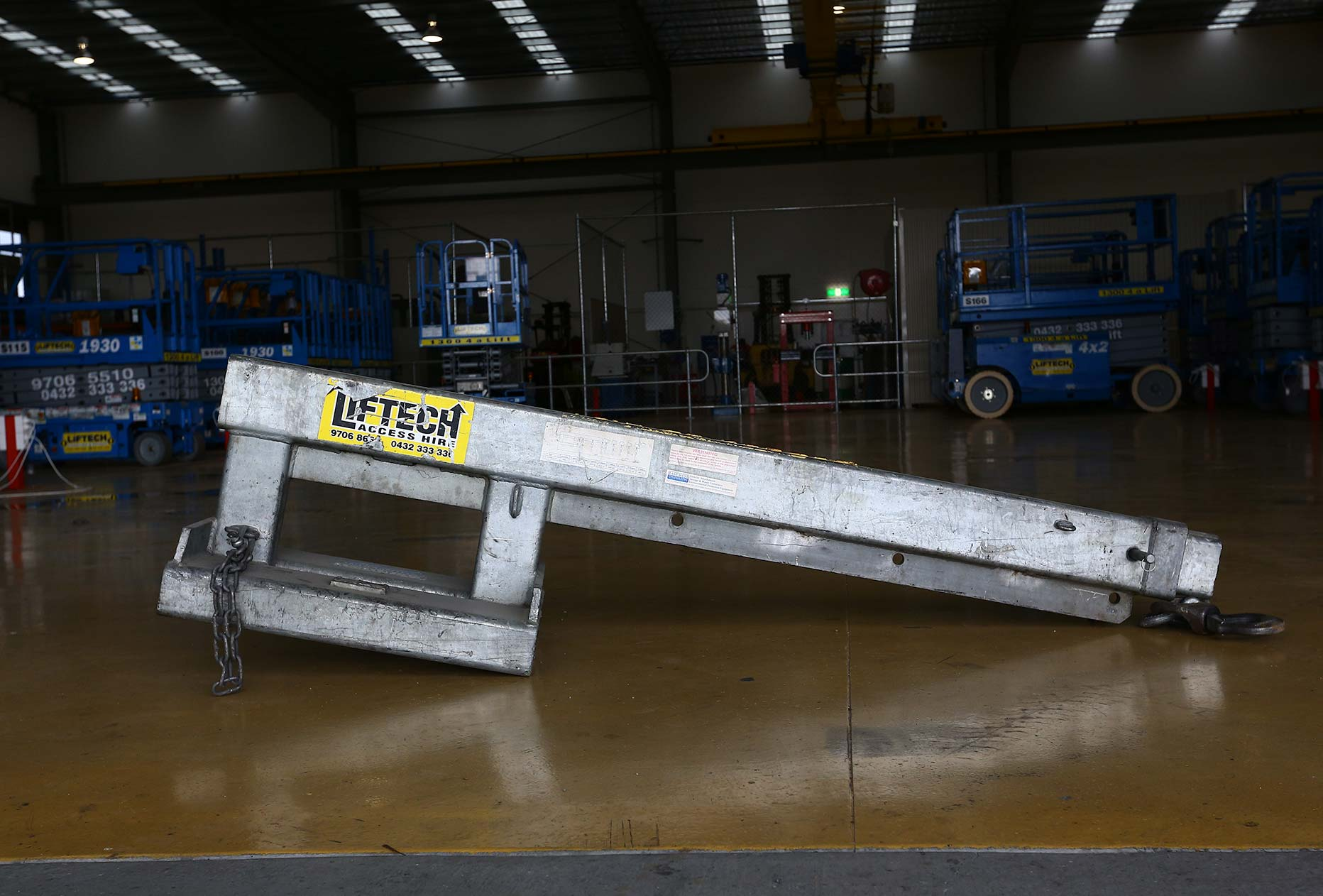 2.5 Tonne articulated jib