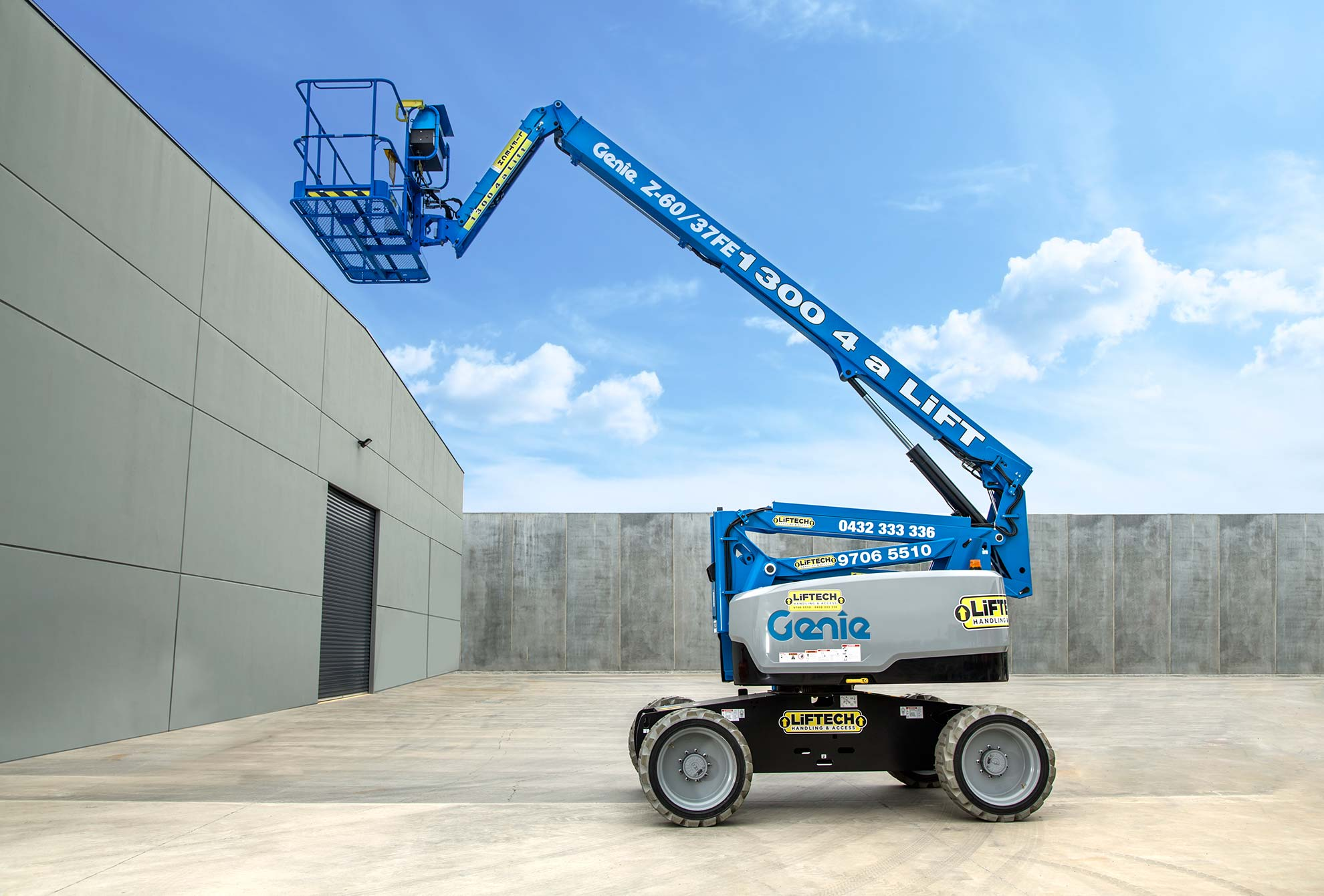 8 metre electric hybrid knuckle boom rental