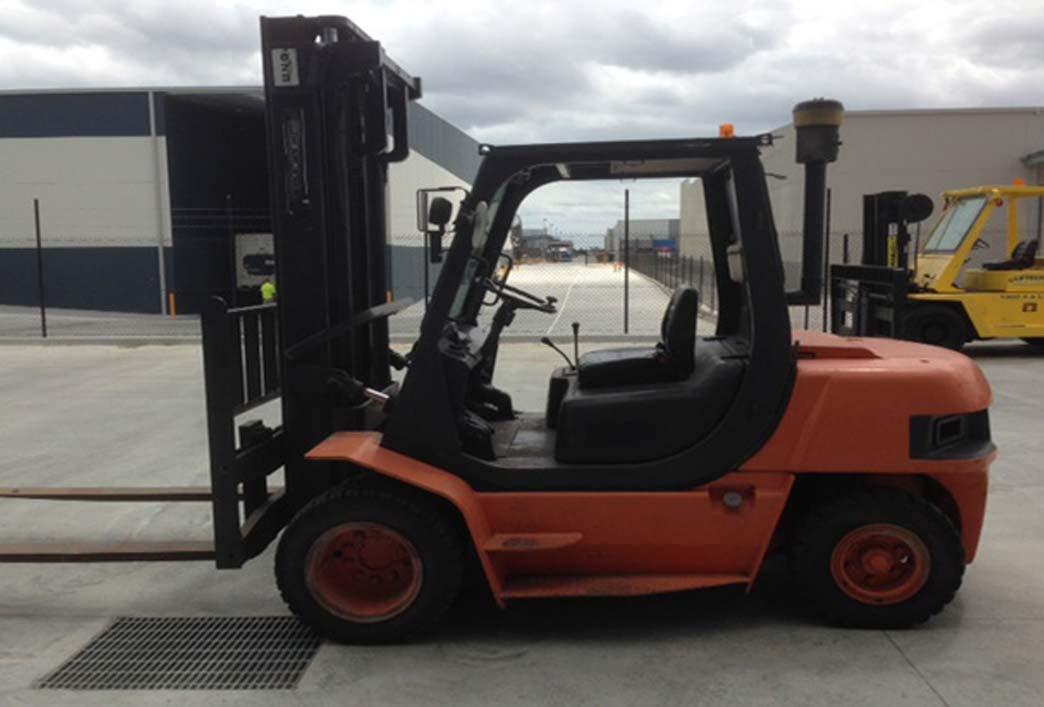 4 Tonne Diesel Forklift For Rental