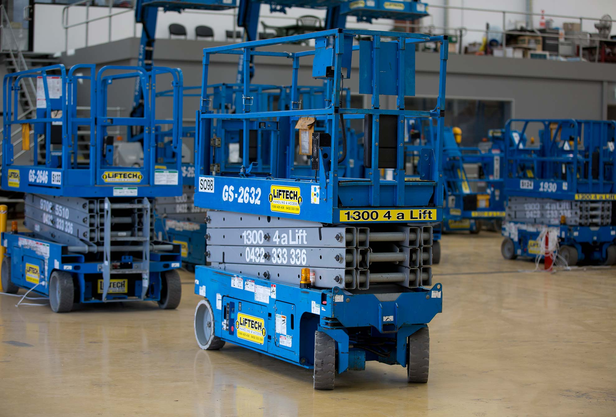 8m Narrow Scissor Lift for Hire in Melbourne