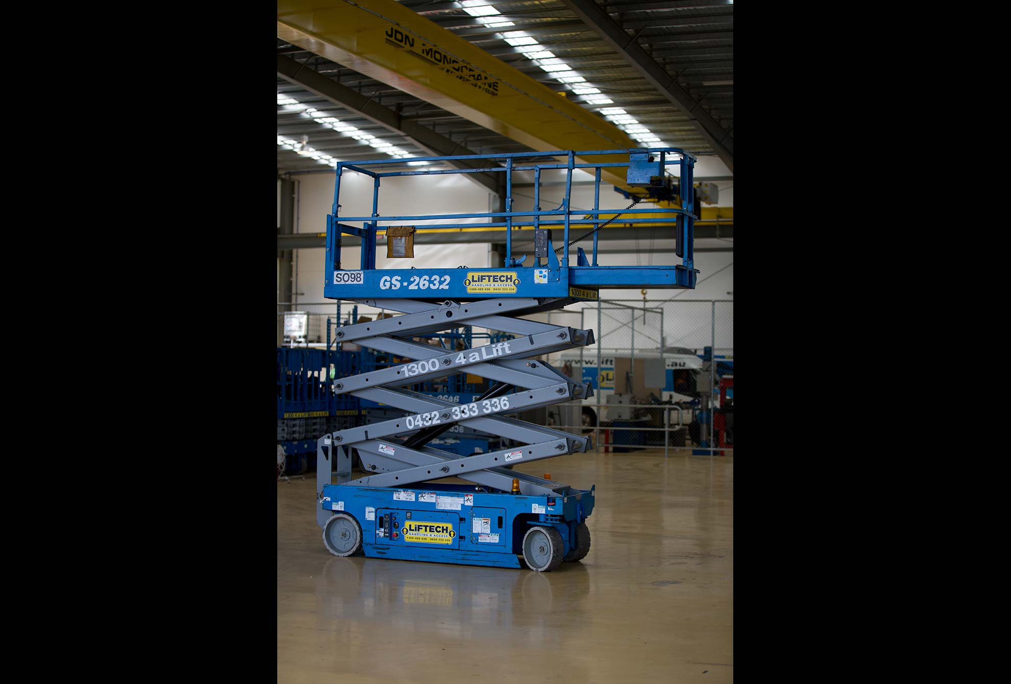 8m Narrow Scissor Lift for Rent in Melbourne