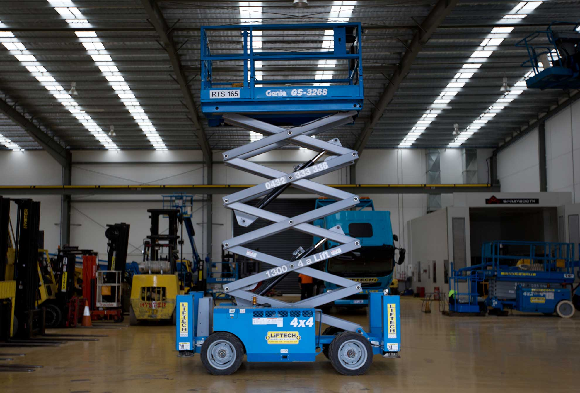 10m Electric Rough Terrain Scissor Lift for Rent